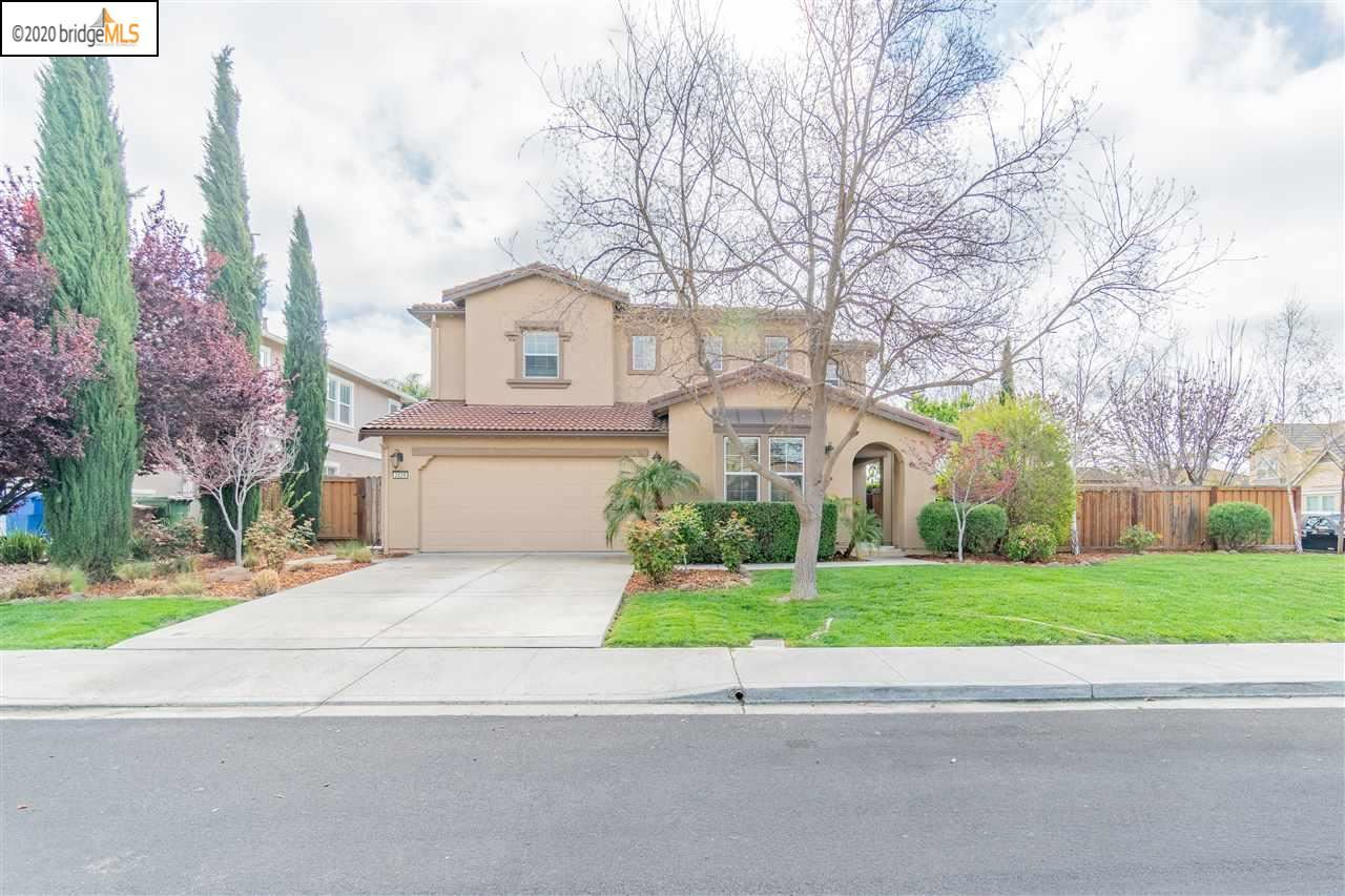 Photo of 2029 Mint Dr, BRENTWOOD, CA 94513 (MLS # 40900286)