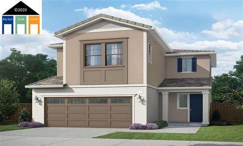 Photo of 462 Avanti Way, OAKLEY, CA 94561 (MLS # 40906288)