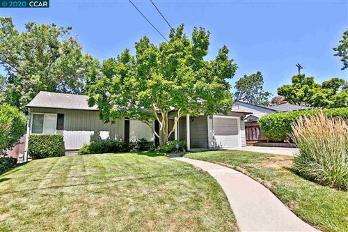 Photo of 21 Carolyn Ct, LAFAYETTE, CA 94549 (MLS # 40911289)