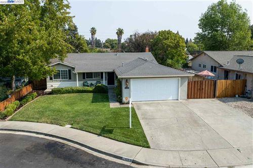 Photo of 1423 Gatewood Ct, MARTINEZ, CA 94553 (MLS # 40924289)