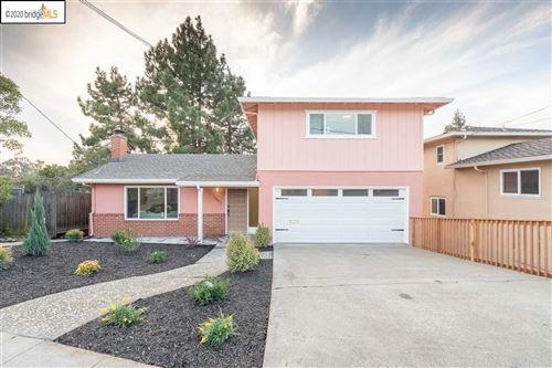 Photo of 3092 Middleton St, OAKLAND, CA 94605 (MLS # 40896290)