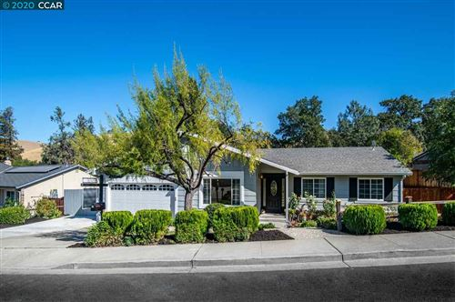 Photo of 33 Petar, CLAYTON, CA 94517 (MLS # 40925291)