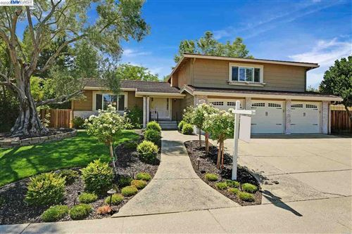 Photo of 514 Cartagena Ln, SAN RAMON, CA 94583 (MLS # 40916294)
