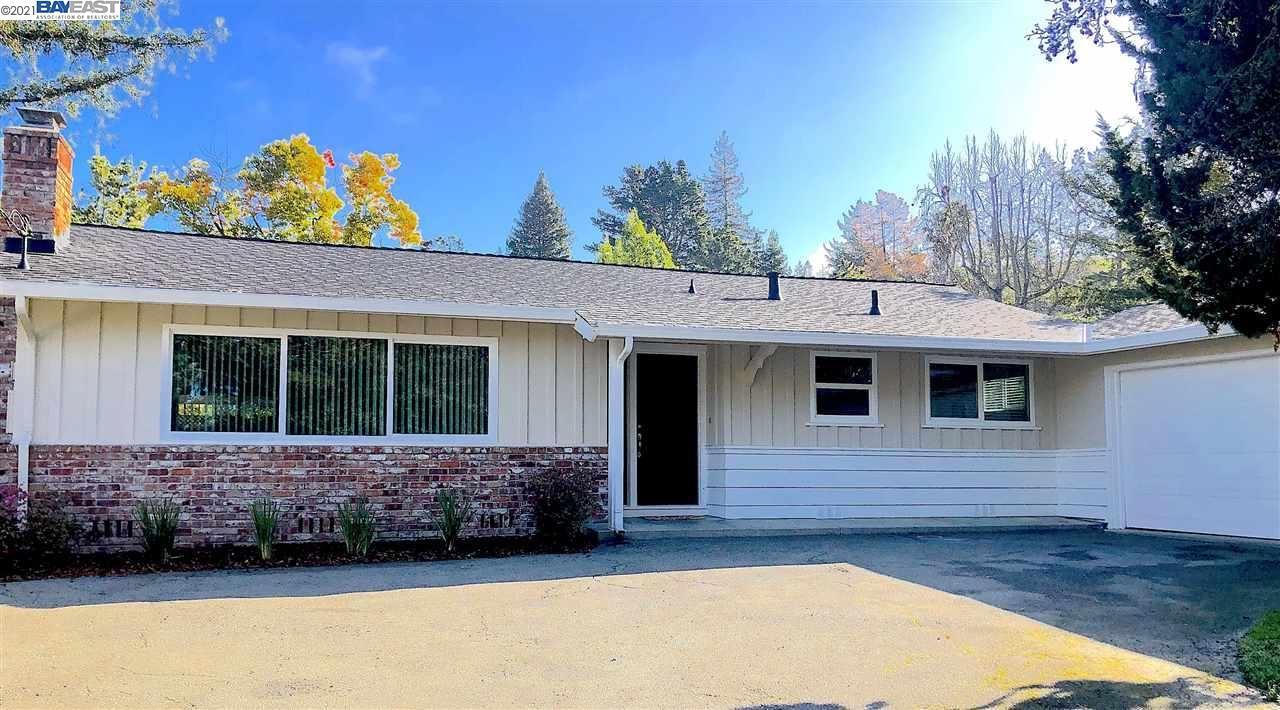 Photo of 1055 Larch Ave, MORAGA, CA 94556 (MLS # 40943295)