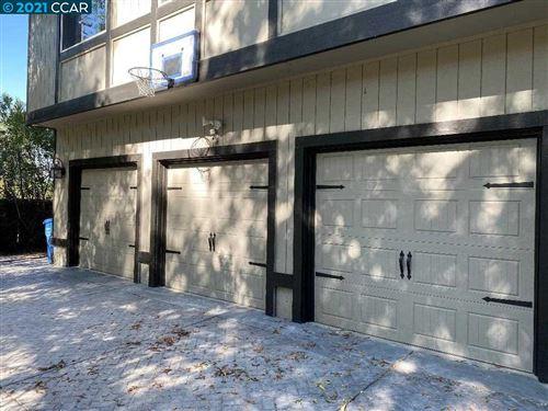 Photo of 2384 Hagen Oaks Dr, ALAMO, CA 94507 (MLS # 40958296)