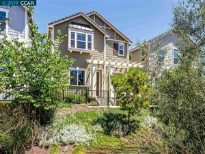 Photo of 54 Hazel Tree Rdg, ORINDA, CA 94563 (MLS # 40871297)