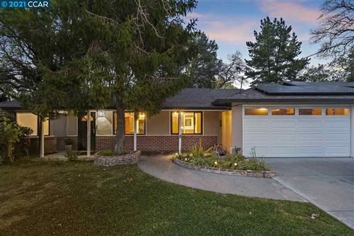 Photo of 1806 DONNA DR, PLEASANT HILL, CA 94523 (MLS # 40939298)