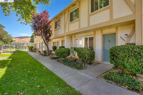 Photo of 38600 Royal Ann Cmn, FREMONT, CA 94536 (MLS # 40916299)