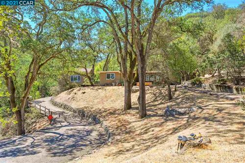 Photo of 281 Castle Hill Ranch Rd, WALNUT CREEK, CA 94595 (MLS # 40954300)