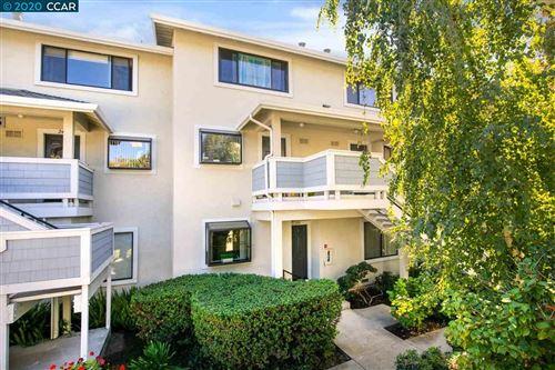 Photo of 2685 Oak Rd #152, WALNUT CREEK, CA 94597 (MLS # 40922302)