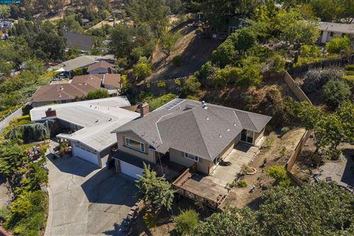 Photo of 2086 Magnolia Way, WALNUT CREEK, CA 94595 (MLS # 40967304)