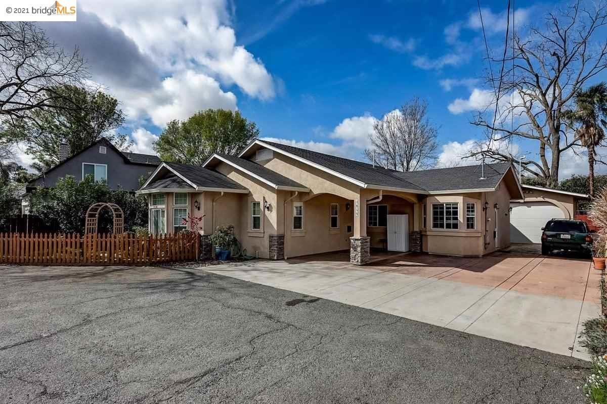 Photo of 1849 Farm Bureau Rd, CONCORD, CA 94519 (MLS # 40941304)