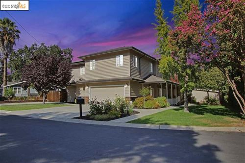 Photo of 16 Ellis Ct, PLEASANT HILL, CA 94523 (MLS # 40924305)