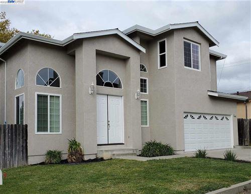 Photo of 4527 HEYER, CASTRO VALLEY, CA 94546 (MLS # 40898306)