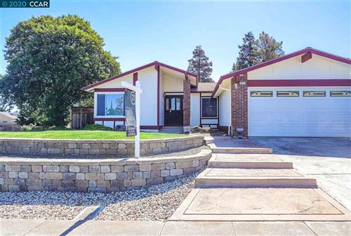 Photo of 2211 Jacqueline dr, PITTSBURG, CA 94565-4436 (MLS # 40907307)