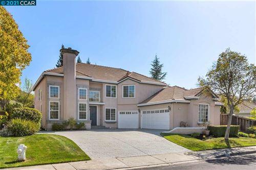 Photo of 219 Dove Creek Ln, DANVILLE, CA 94506 (MLS # 40947311)