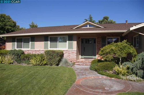 Photo of 742 San Luis Ct, CONCORD, CA 94518 (MLS # 40959314)