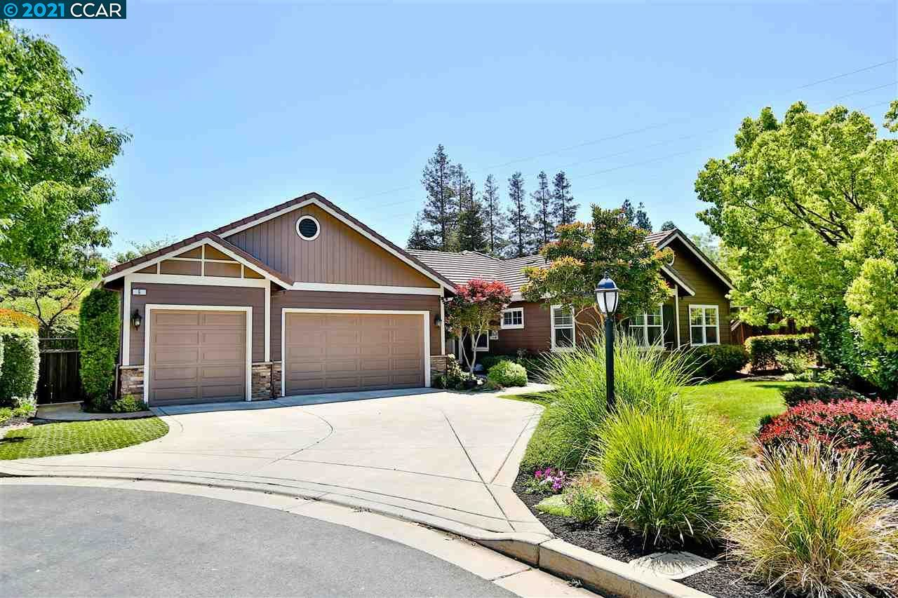 Photo of 6 Pardi Lane, CLAYTON, CA 94517 (MLS # 40949314)
