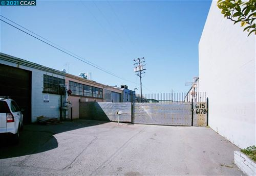 Photo of 611 85TH AVE, OAKLAND, CA 94621-2621 (MLS # 40955317)