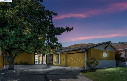 Photo of 630 Barron Way, HAYWARD, CA 94544 (MLS # 40916318)