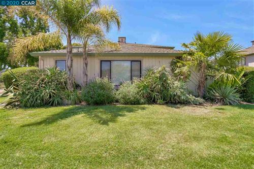 Photo of 21 Keel Ct, SAN RAFAEL, CA 94903 (MLS # 40913319)