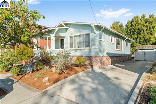 Photo of 868 40Th St, OAKLAND, CA 94608 (MLS # 40890320)