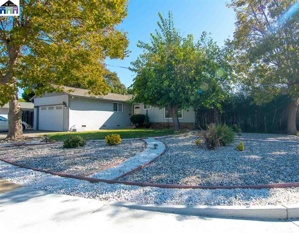 Photo for 1306 Carleton Dr, CONCORD, CA 94518 (MLS # 40885320)