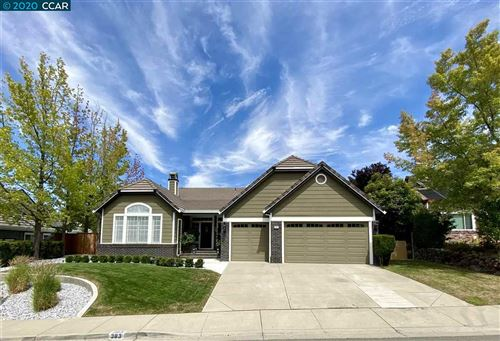 Photo of 383 Blue Oak Ln, CLAYTON, CA 94517 (MLS # 40916321)