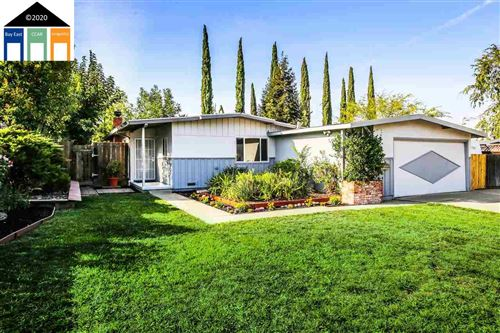 Photo of 1245 Plumleigh Ln, CONCORD, CA 94521 (MLS # 40922322)
