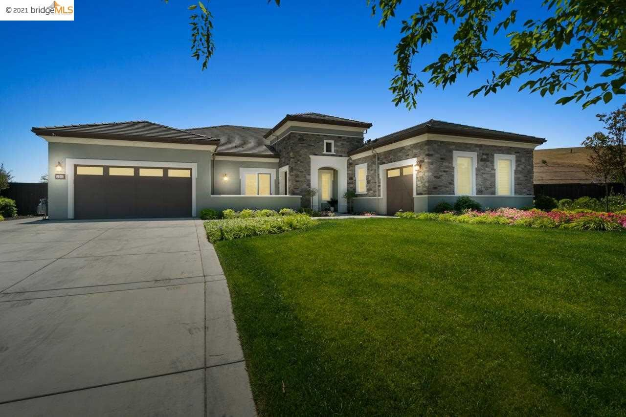 Photo of 2301 Reserve Drive, BRENTWOOD, CA 94513-2474 (MLS # 40949322)