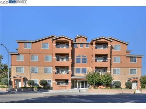 Photo of 88 N Jackson Ave #406, SAN JOSE, CA 95116 (MLS # 40921323)