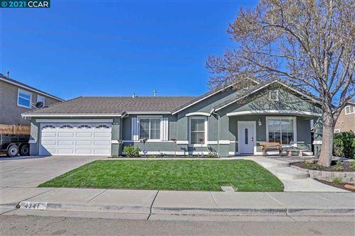 Photo of 4341 Glen Canyon Cir, PITTSBURG, CA 94565 (MLS # 40939325)