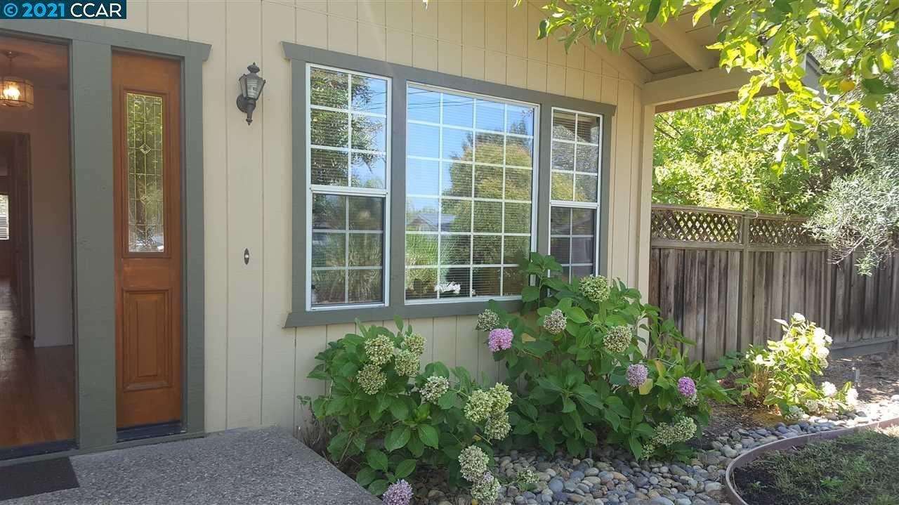 Photo of 1685 Suncrest ct, WALNUT CREEK, CA 94597 (MLS # 40945326)