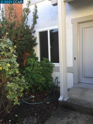 Photo of 1123 Glengarry Dr, WALNUT CREEK, CA 94596-6445 (MLS # 40934327)