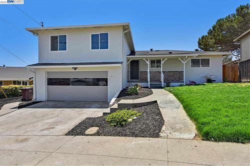 Photo of 15 Edgemont, OAKLAND, CA 94605 (MLS # 40960329)