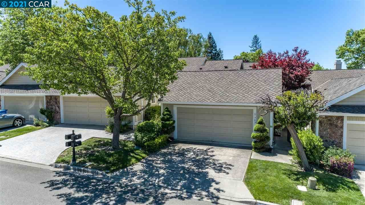 Photo of 723 Glen Eagle Court, DANVILLE, CA 94526 (MLS # 40949331)