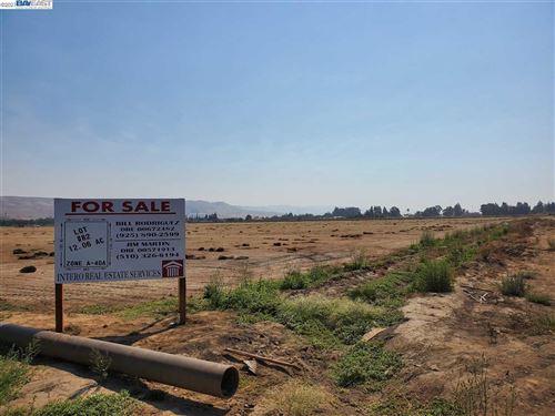 Photo of MORGAN HILL, CA 95037 (MLS # 40939332)