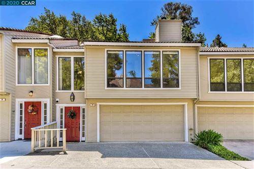 Photo of 19 Heritage Oaks Rd, PLEASANT HILL, CA 94523 (MLS # 40909336)