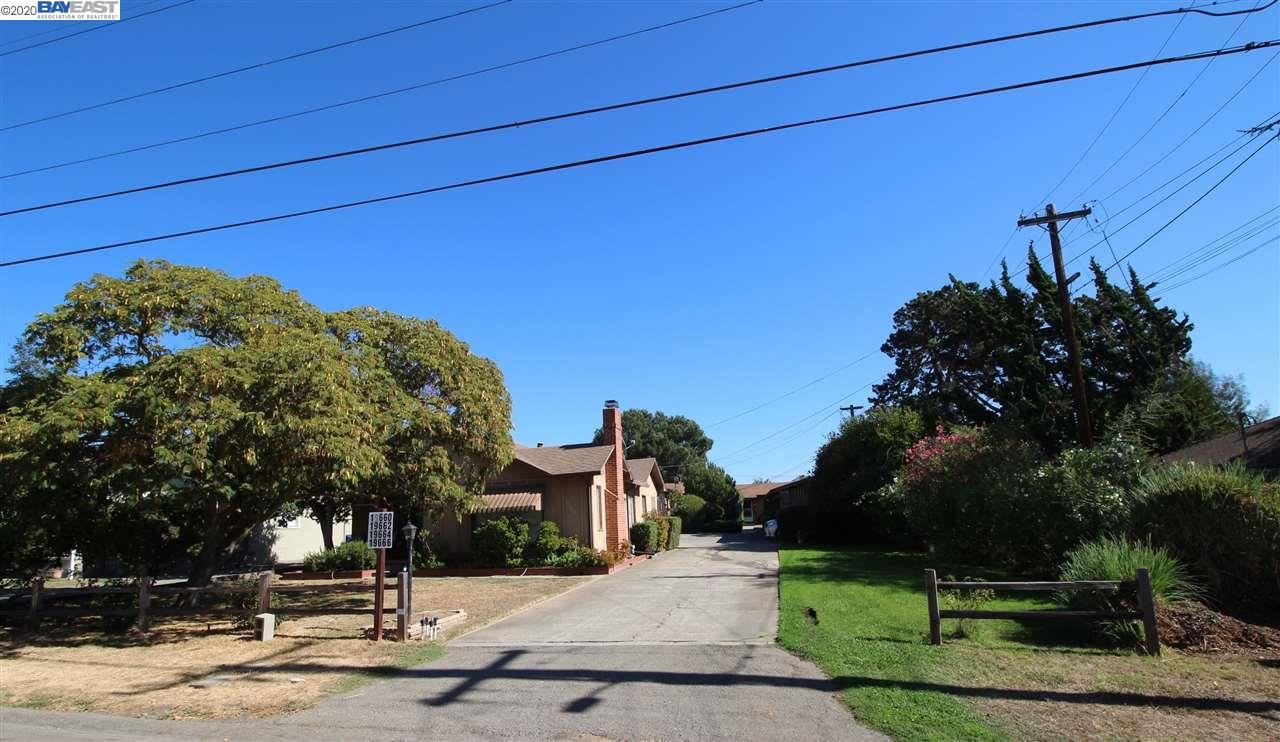 Photo of 19660 Forest Ave, CASTRO VALLEY, CA 94546 (MLS # 40926337)