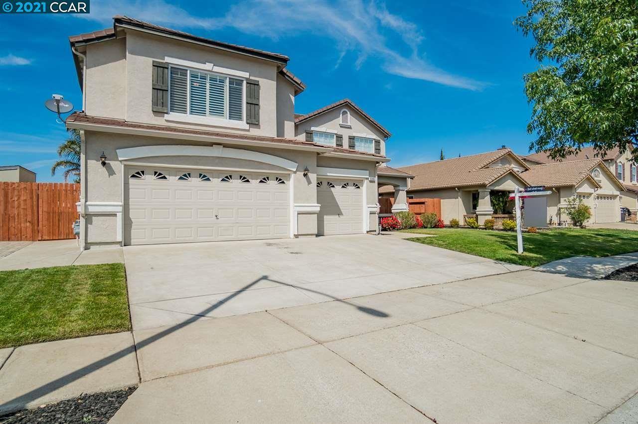 Photo of 5305 Pine St, OAKLEY, CA 94561 (MLS # 40945337)