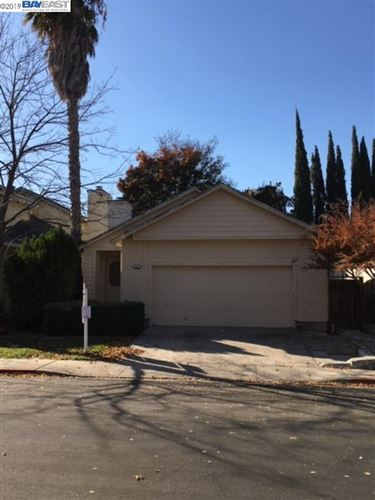 Photo of 725 Timberline Ter, BRENTWOOD, CA 94513 (MLS # 40890339)