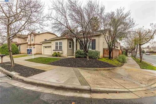 Photo of 107 PANORAMA WY, BRENTWOOD, CA 94513 (MLS # 40892341)