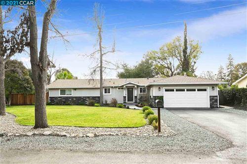 Photo of 12 Quietwood Ln, PLEASANT HILL, CA 94523 (MLS # 40934341)