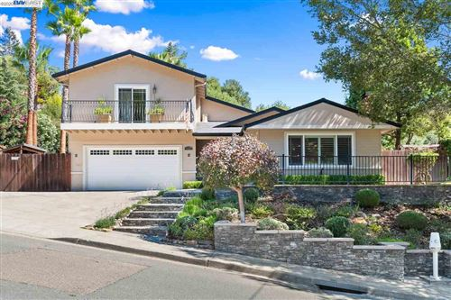 Photo of 5585 Cold Water Dr, CASTRO VALLEY, CA 94552 (MLS # 40922342)