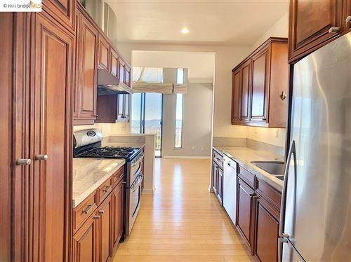 Photo of 28 Spy Glass Hill, OAKLAND, CA 94618 (MLS # 40935342)