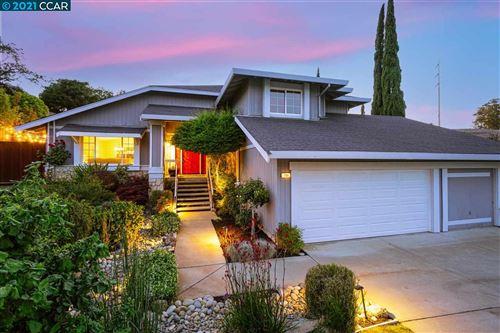 Photo of 109 Bramblewood Ln, PLEASANT HILL, CA 94523 (MLS # 40948342)