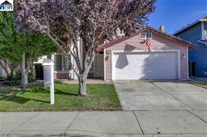 Photo of 75 Phillips Ct, TRACY, CA 95376 (MLS # 40884343)