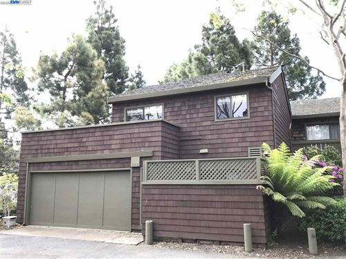 Photo of 802 Harbor Rd, ALAMEDA, CA 94502 (MLS # 40903343)