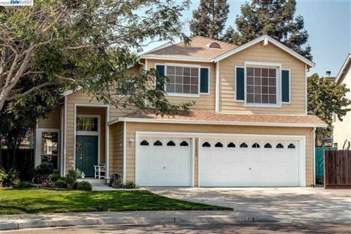 Photo of 2153 Cain Ct, TRACY, CA 95376 (MLS # 40924344)