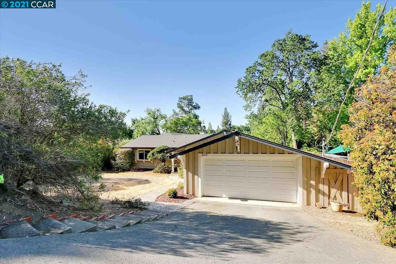 Photo of 3275 Gloria Terrace, LAFAYETTE, CA 94549-2033 (MLS # 40949346)